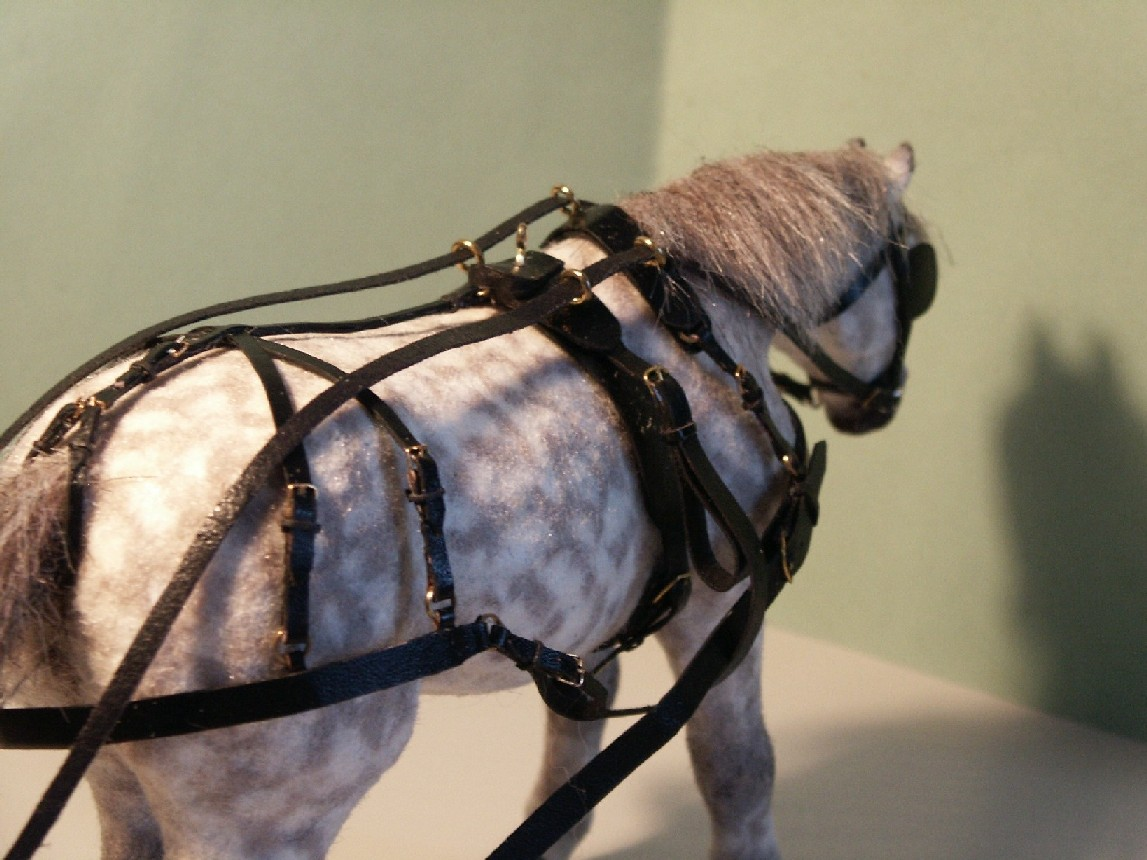 Harness horse for the dolls house